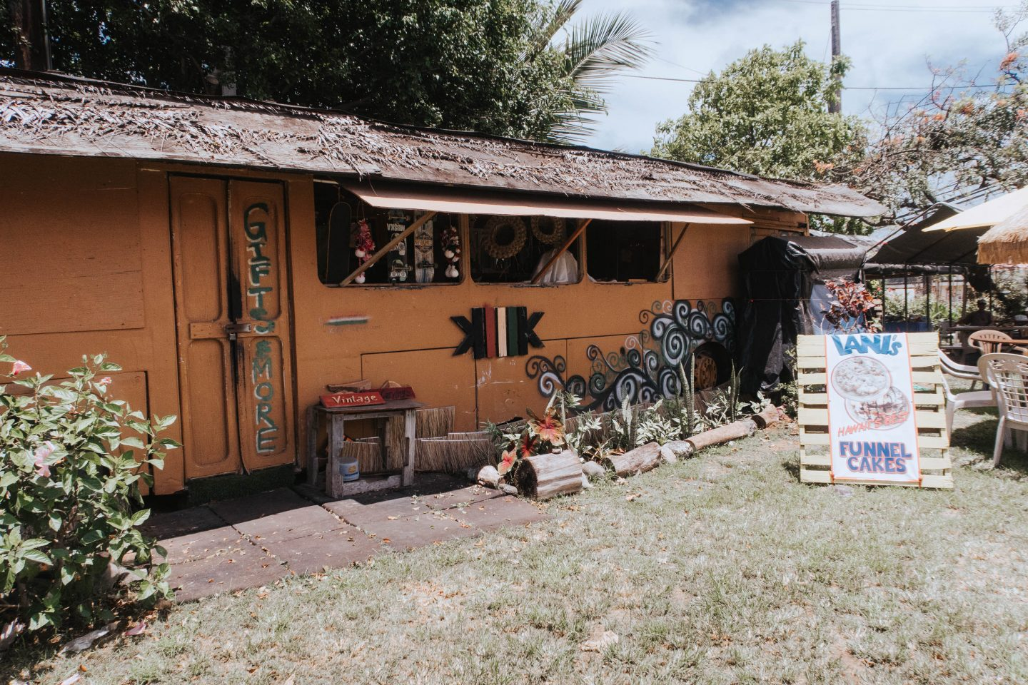 Cute local food stall on the drive to Oahu North Shore Hawaii
